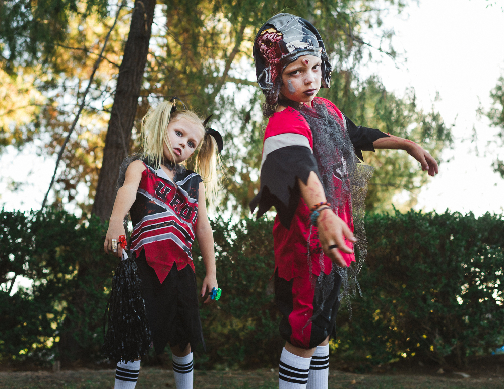 kids dressed for halloween from ericamontgomeryphotography.com